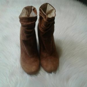 Woman's Chinese Laundry boots 10 $ 25.00 # 742